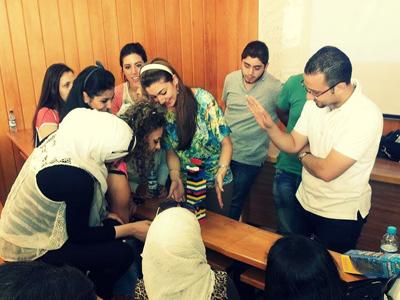 المدرب محمد زياد الوتار يقدم محاضرة بناء الفريق في جامعة دمشق