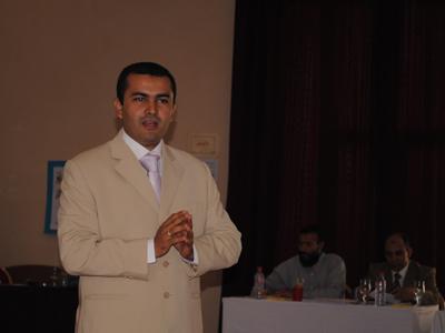 المدرب محمد بحسين يقدم عرض المهارات الثالث عشر