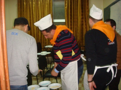 احضار الطلبات من قاعة الطعام