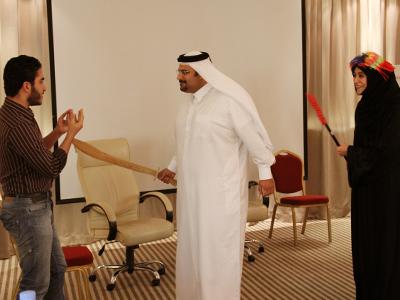 العريس يتوسل بين يدي وزير السلطان .. و مريم تترقب.