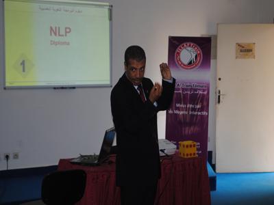 المدرب عبد الوهاب بوجمال خلال عرضه