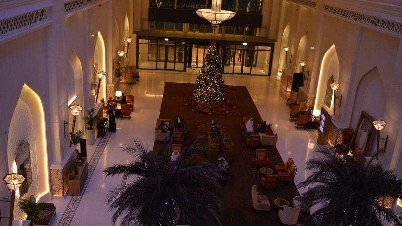 من المعالم المميزة في فندق باب القصر مكان انعقاد الدورة