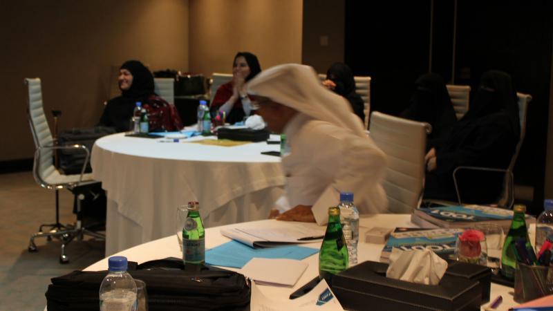 تقسيم المتدربين إلى مجموعات عمل من أجل تنفيذ التمرينات