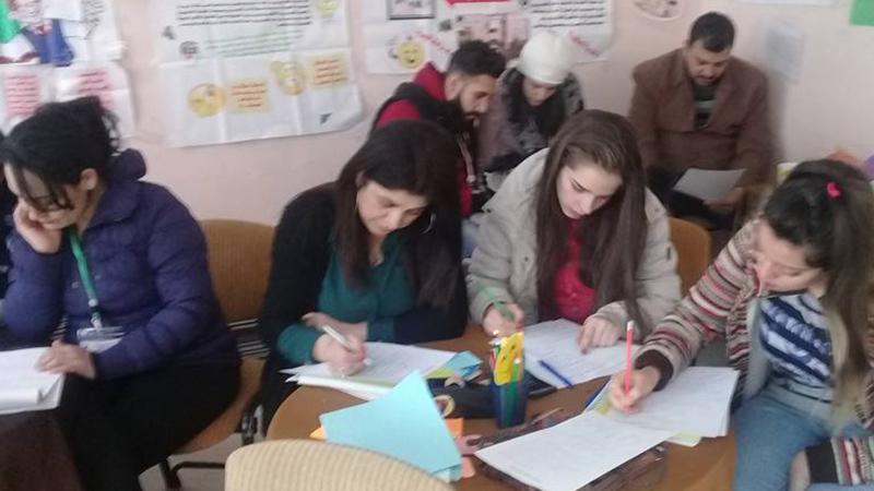 إجراء اختبارات كتابية في نهاية الدورة