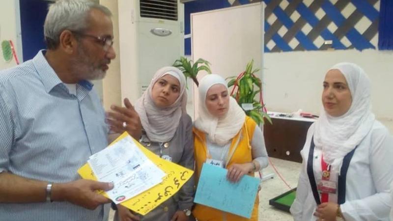 الدكتور عزام القاسم مشرفا على تنفيذ التمرينات