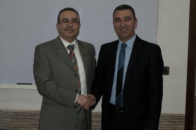 صورة تذكارية مع المدرب