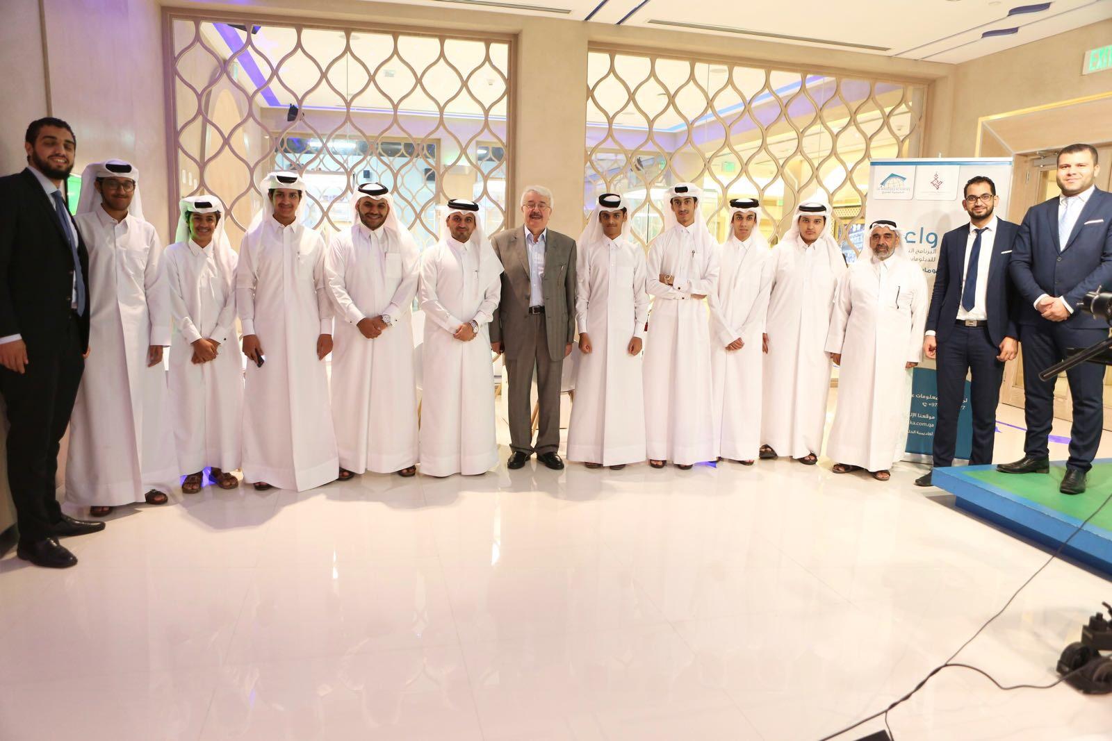 جلسة حوارية عن فن التواصل مع الآخرين بإدارة المدرب احمد المالكي