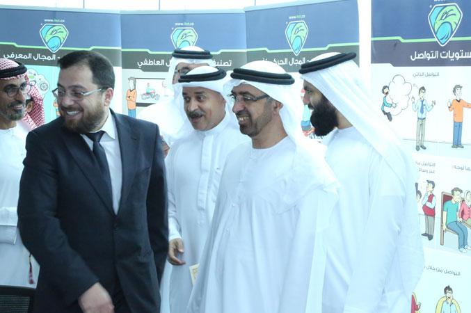 الدكتور محمد بدرة ومتدربون في فرحة الانجاز وتحقيق الهدف