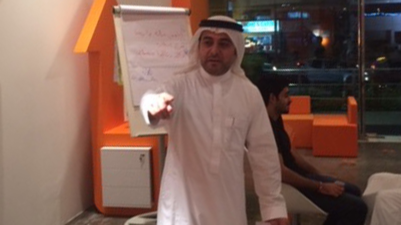 اقترب خطوة ليخطُ خطوات، ورشة عمل للمدرب أحمد مغربي