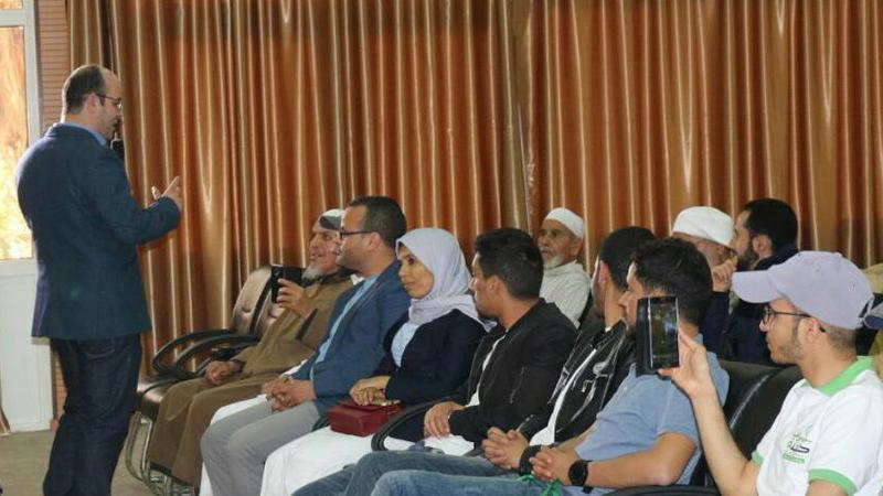 """امسية تدريبية  بقيادة المدرب عادل عبادي """"دائرة التوازن الإنساني في إطار أسبوع المسن"""""""