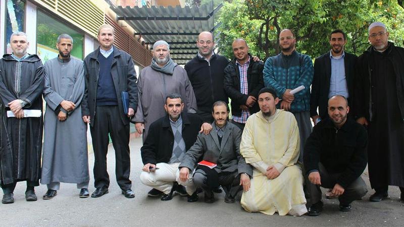 تألق مستمر للمدرب أول عادل عبادي من خلال دوراته المميزة في مدينة برشلونة