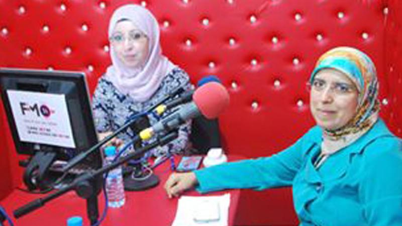 """المدربة نادية ادمغار ضيفة على إذاعة fm 24 في لقاء حول """"التفكير الإبداعي"""""""