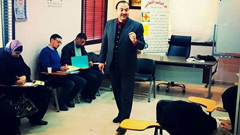 المدرب أول الدكتور عبد الفتاح السمّان في جامعة عمّان العربية مشاركاً في دورة دبلوم المهارات الشرعية