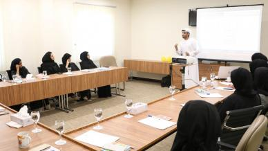 """إمارة الشارقة تستضيف المدرب أول ماجد بن عفيف في برنامج تدريبي بعنوان """"حيوية الحياة"""""""