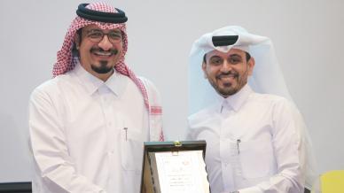 المركز الإعلامي في قطر يكرم المدرب أحمد المالكي