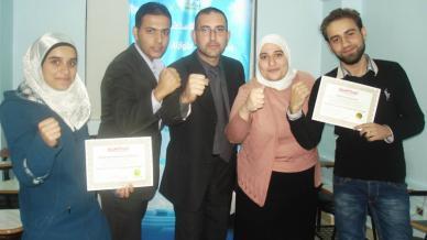 سوريا - دمشق: تخريج الدفعة الأولى من دورة التسويق وخدمة العملاء مع المدرب أول محمد بدر كوجان
