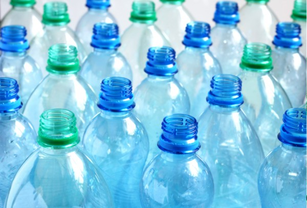 زجاجات ماء